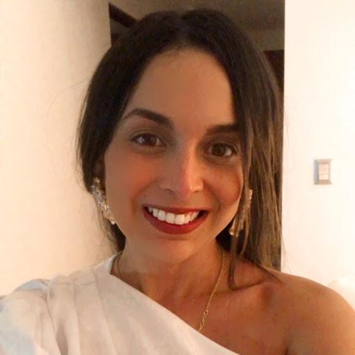 Gloria Quiroz Photo 14