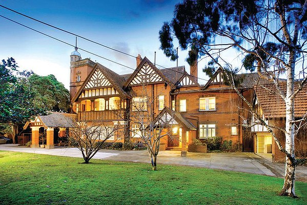 Edzell, 76 St Georges Road Toorak Victoria, in English Revival (Queen Anne) style