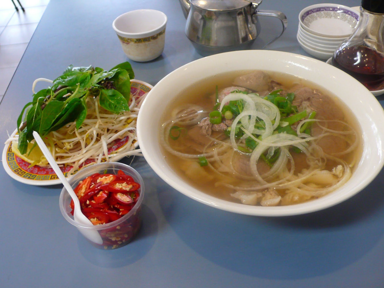 how to eat pho to go