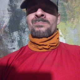 user christopher bell apkdeer profile image