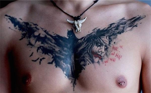 batman_e_coringa_tatuagem_no_peito