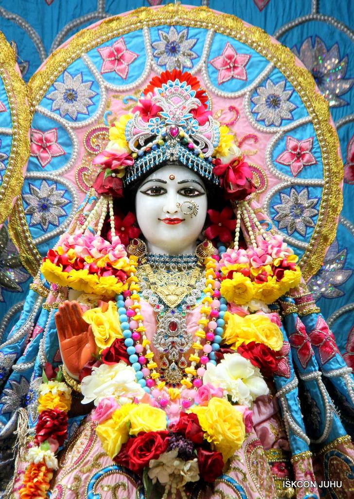 ISKCON Juhu Sringar Deity Darshan on 29th Dec 2016  (14)