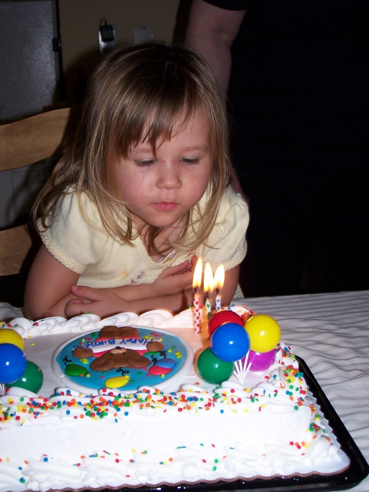 Corinas Birthday Party 2007 - 100_1898.JPG