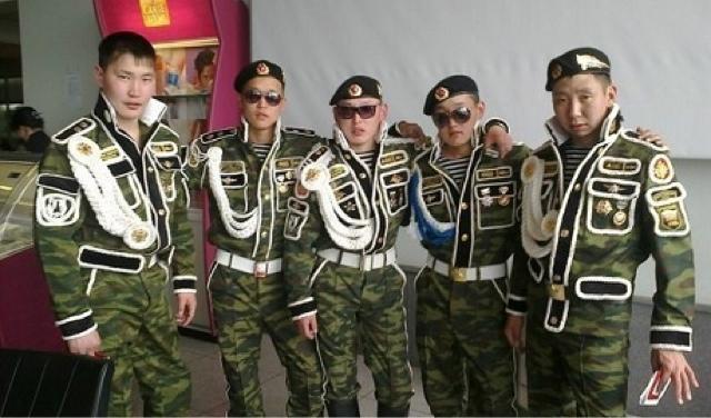 """""""Оно танки. Військовий сказав, що їдуть в Україну"""", - колона армії РФ у прикордонному російському селищі Покровське - Цензор.НЕТ 3161"""