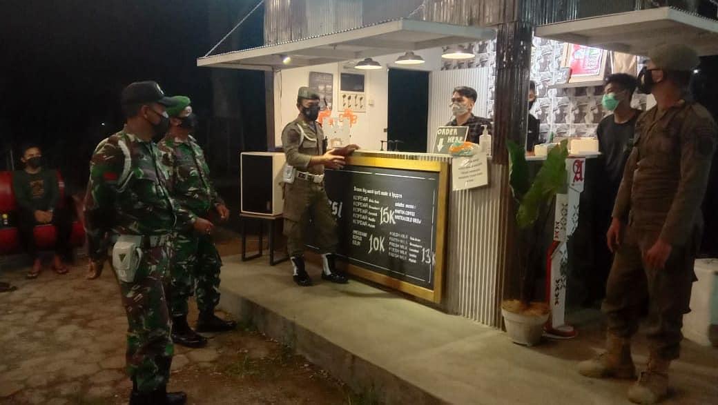 Kodim 09/06/Tenggarong Patroli Terpadu Sasar Angkringan