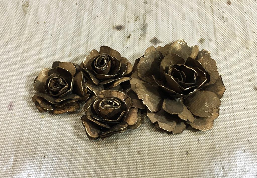 [39+Dark+Brown+Roses+Close+Up%5B5%5D]