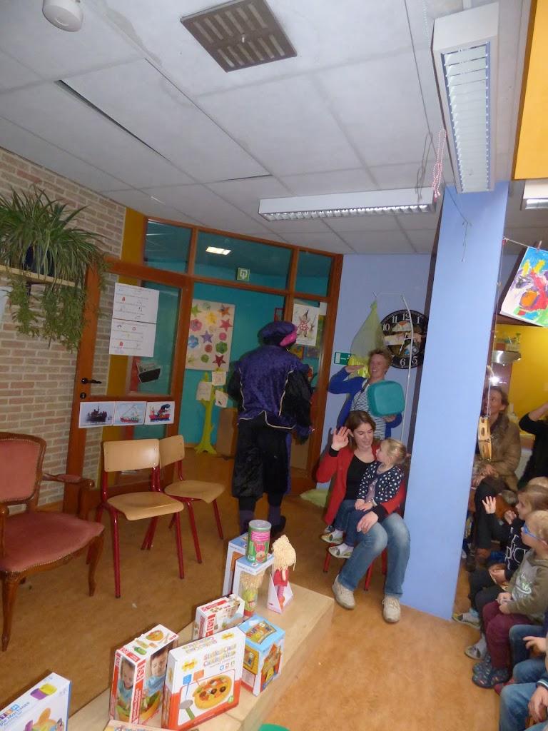 Sinterklaas op bezoek - P1060545.JPG
