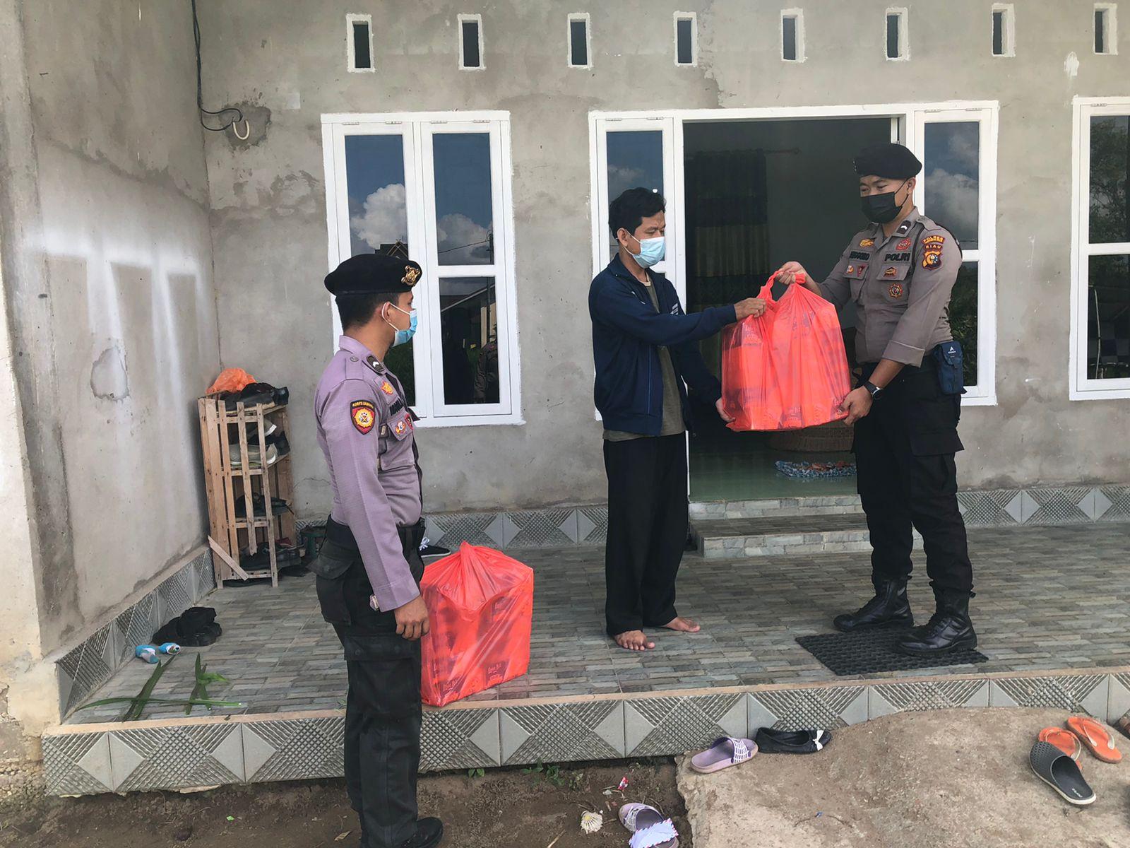 Jum'at Barokah, Polres Inhil Bagikan Nasi Kotak ke Panti Asuhan di Tembilahan