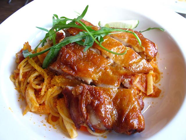 MR.CHEF'S廚師先生義大利麵 - 主餐-香草烤雞腿辣味紅醬義大利麵$160