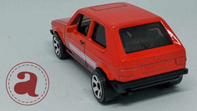 TAMPAK BELAKANG MATCHBOX GERMANY - 1976 VW GOLF MK1