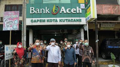 Di Titik ke-100 Kunjungan Kerjanya, Komut Bank Aceh Dorong Transformasi Tampilan Kantor BAS