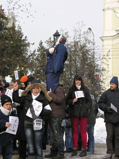 Femeia protestatar anti-Acta care a scandalizat Oradea #4