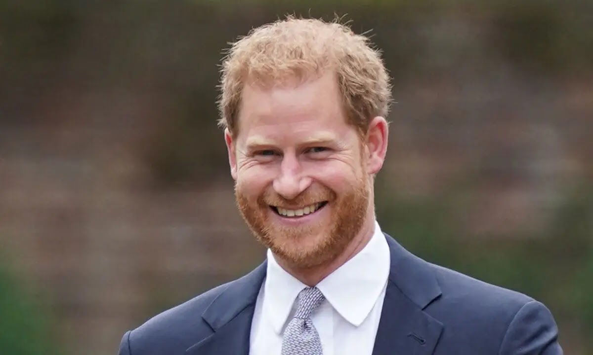 Prince Harry makes Surprise Appearance at UK Awards Show