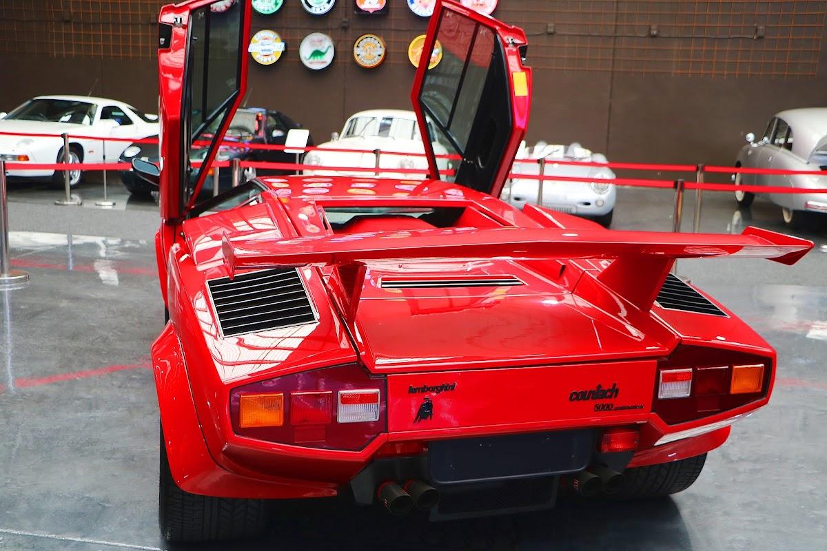 Lamborghini Countach (23).jpg