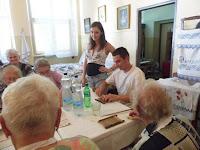 08 - A Szabolcs Fejedelem Lovasíjászai Egyesület tagjai is kipróbálták a csigacsinálást.JPG