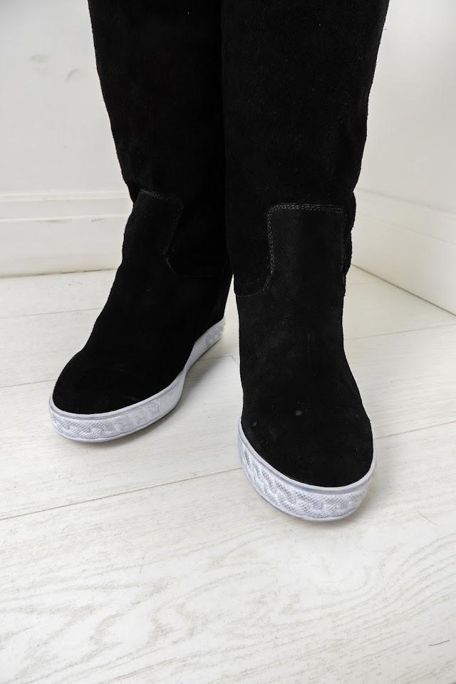 Женские сапоги в стиле Givenchy
