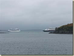 20151025_Regent and Maasdam Bar Harbor (Small)