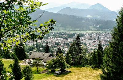 Blick über Cafe Breitenberg auf Oberstdorf vom Wallrafweg Allgäu