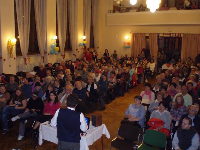 4.1.2012 -přednáška otce Engelmana o výchově dětí - P1040984.JPG