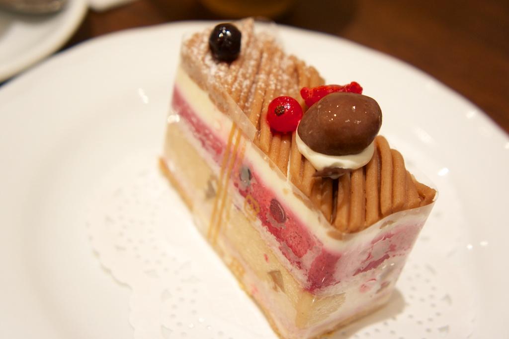 キラキラ輝くケーキ達