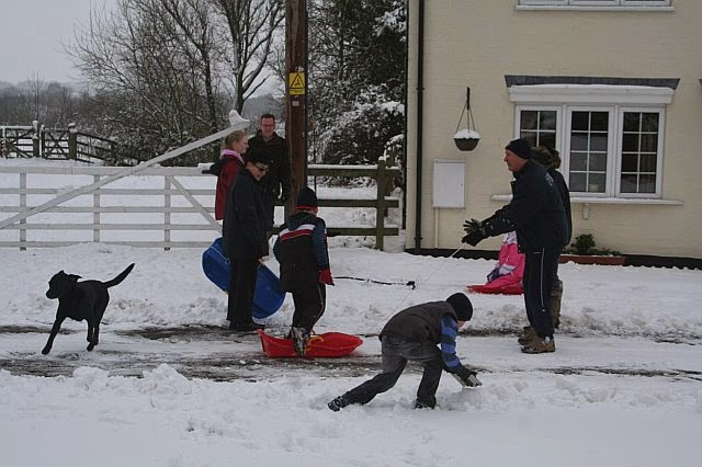 Woodhurst In the Snow - February 2009 - picture21.jpg