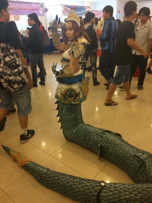 Cẩn thận với cosplay Cassiopeia