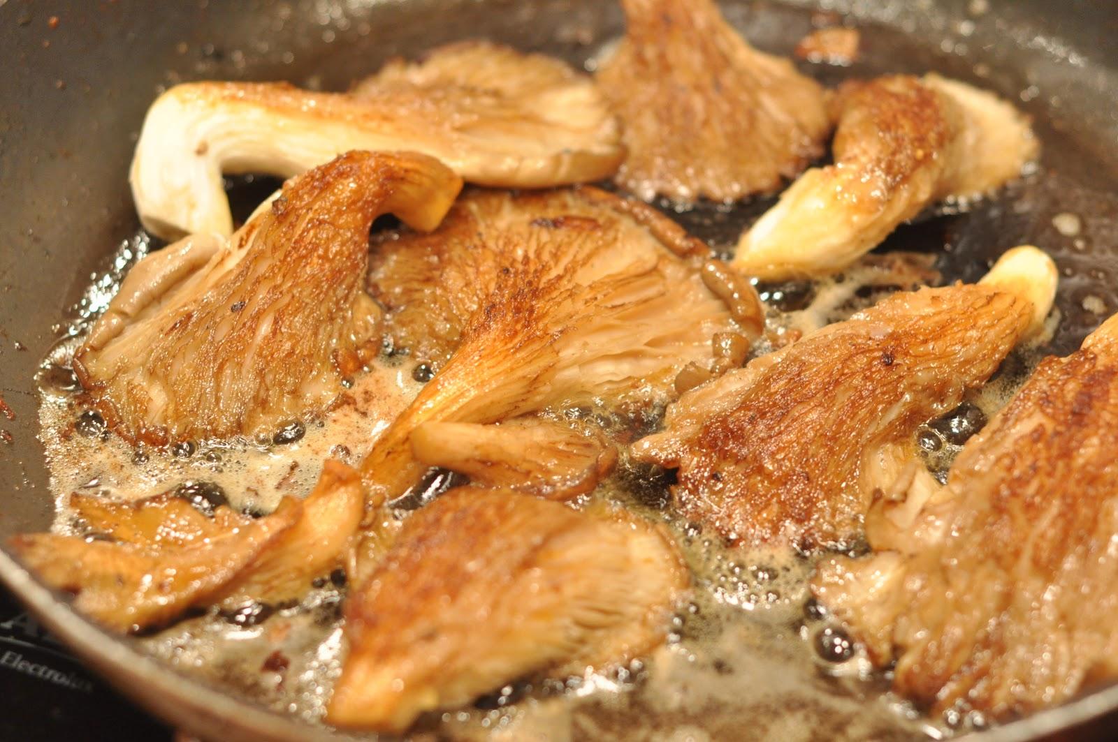 Fernandez & Leluu: Recipe: Oyster Mushrooms Noissette
