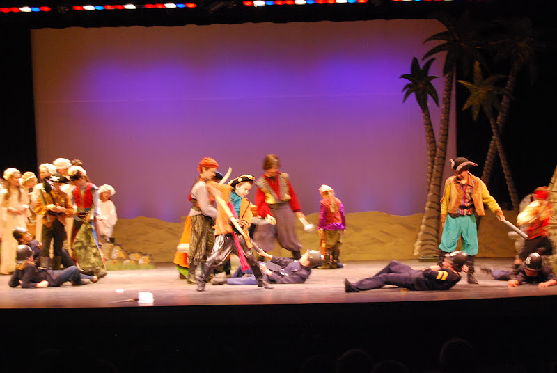 2012PiratesofPenzance - DSC_5966.JPG