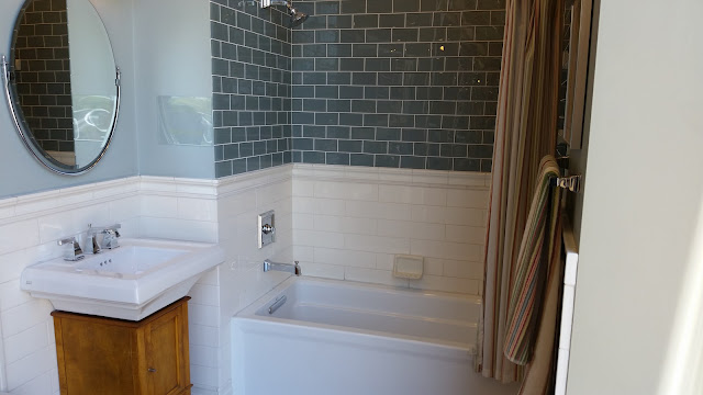 Bathrooms - 20150825_114144.jpg