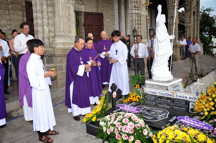 Thánh lễ giỗ lần thứ 12 Đức Cha Phêrô Nguyễn Văn Nho tại nhà thờ Chánh Tòa Nha Trang.