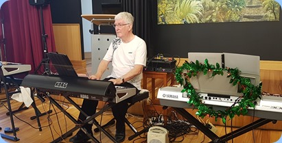Club President, Gordon Sutherland, playing his Korg Pa4X. Photo courtesy of Diane Lyons.