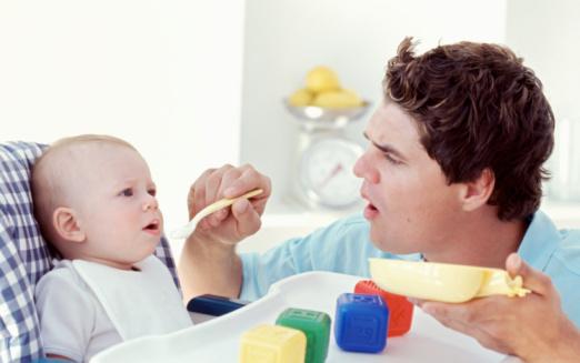 Sikap Ayah Pengaruhi Perkembangan EQ Bayi
