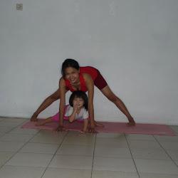 Latihan Yoga bersama Anak ( Kids Yoga )
