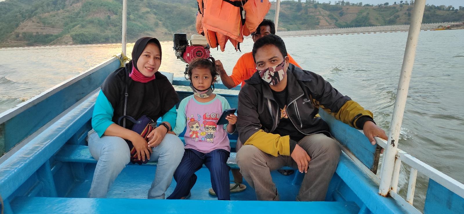 Wisata perahu waduk logung