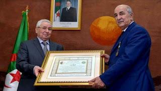 Tebboune et Zoukh décorés de l'Ordre de mérite national