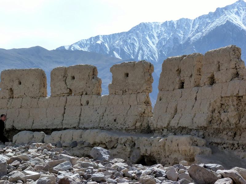 XINJIANG. Karakoram Highway, lune des plus haute route au monde, en passant a 4400 m - P1280590.JPG