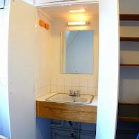 Room Q-sink