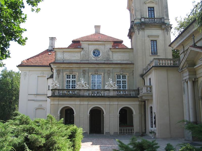 Widok na pałac z drugiej strony