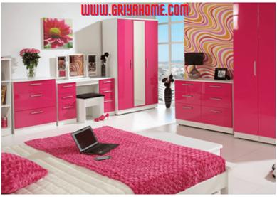 lemari kayu kamar pink