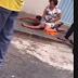 VÍDEO: PM APOSENTADA IMOBILIZA ASSALTANTE EM CALÇADA