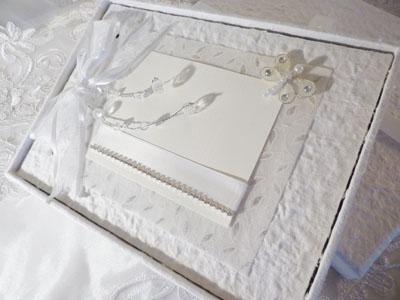 Libro de firmas para bodas blanco con mariposas