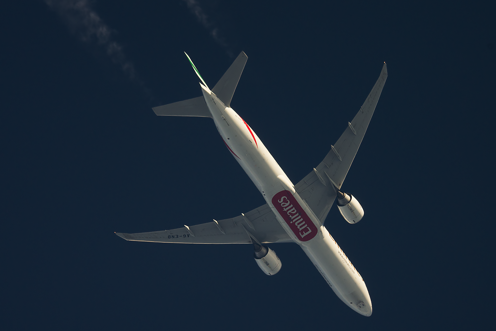 Contrail spotting August 2014 - Aviation24.be
