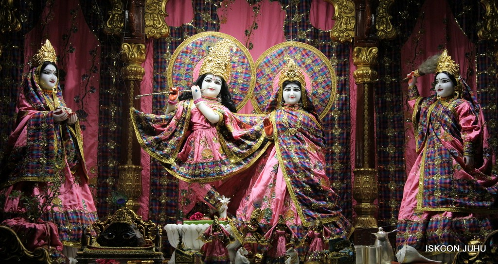 ISKCON Juhu Mangala Deity Darshan 09 April 2016 (52)