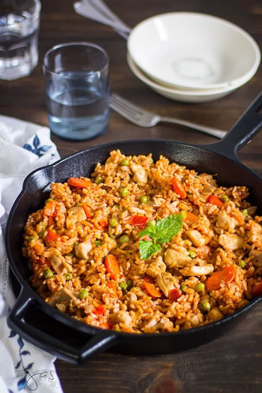 one-pot-chicken-and-rice-in-5-steps