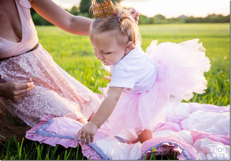 first-birthday-cake-smash-photo-session-pink-tutu-robbins-park-davie-fl-9382