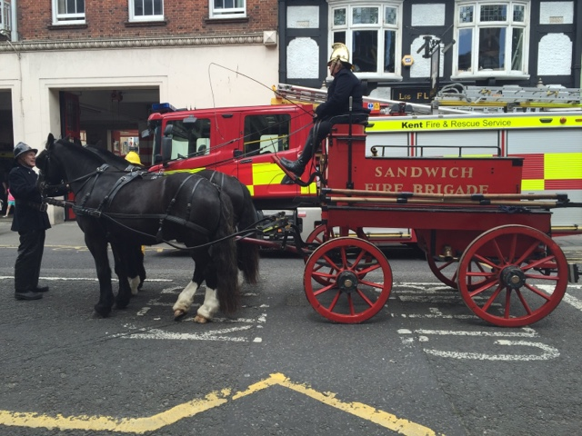 sandwich-fire-brigade-old-fashioned-fire-engine