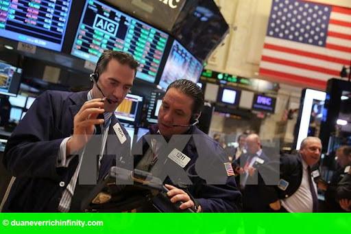Hình 1: S&P 500 thiết lập kỷ lục mới nhờ báo cáo thu nhập khả quan