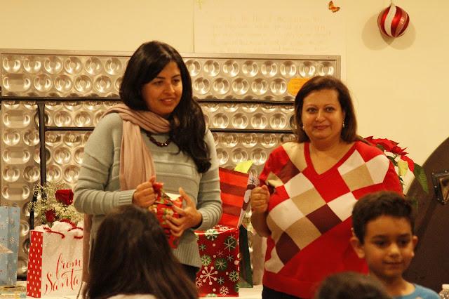 Servants Christmas Gift Exchange - _MG_0798.JPG