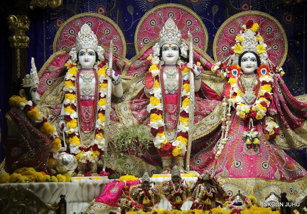 ISKCON Juhu Sringar Deity Darshan on 27th April 2016 (20)
