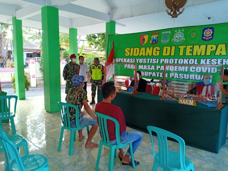 OPERASI YUSTISI DI PANDAAN, 55 WARGA PELANGGAR PROKES SIDANG DITEMPAT